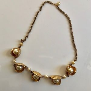Clam pearl vtg mermaid necklace